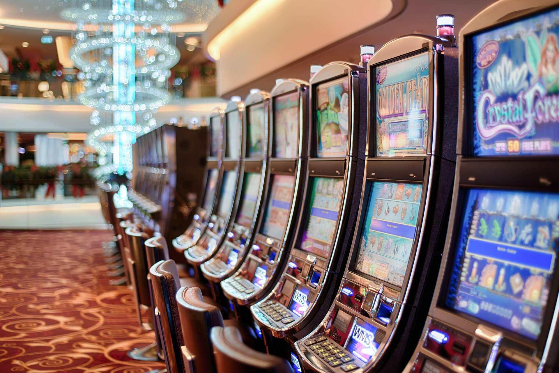 ¿Cómo conseguir dólares en el casino?
