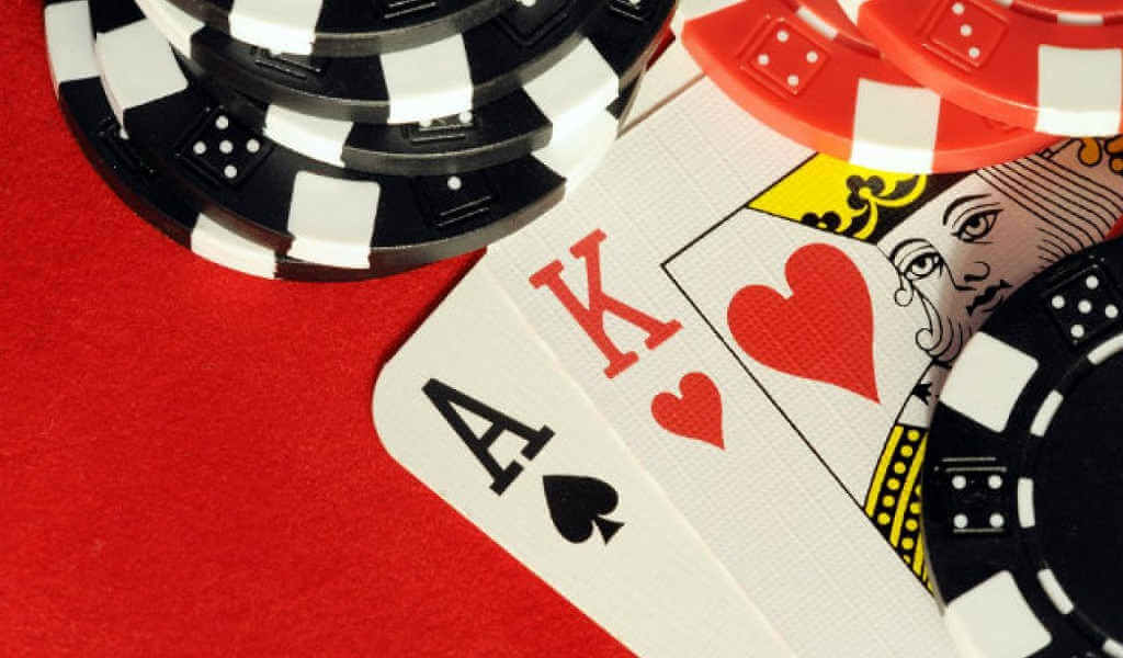 ¿Cómo jugar 21 blackjack americano?