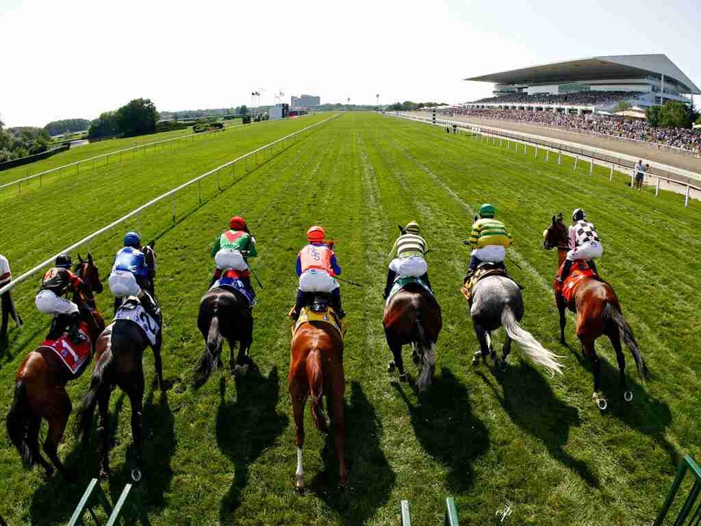 ¿Cómo apostar a caballo ganador?
